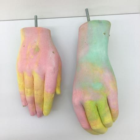« Hand me down your love », 2018 [Paire de mains]